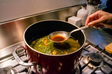 Crispy_pork_noodle_soup_24