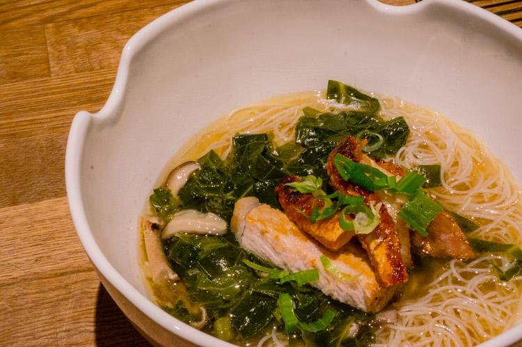 Crispy_pork_noodle_soup_26