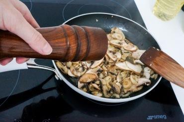 Quinoo_mushroom_sage_salad_06