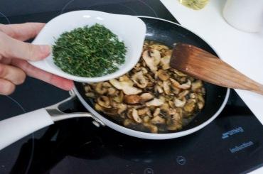 Quinoo_mushroom_sage_salad_08